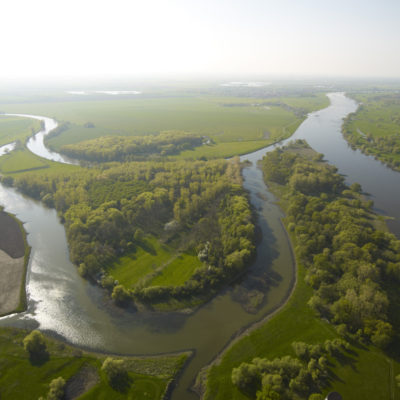 Saale-river-(left-side)-flowing-into-the-Elbe-river-(Photo-by-A.-Künzelmann,-UFZ)